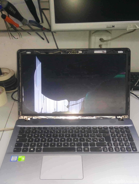 Come sostituire lo schermo del notebook